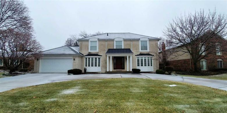 39180 E ROYAL DOULTON BLVD, Clinton Township, MI 48038