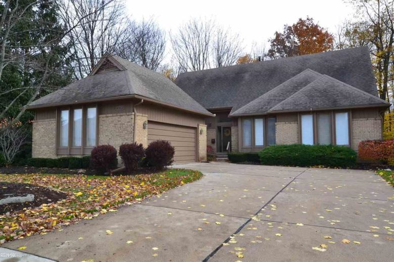 28748 Hidden Trails, Farmington Hills, MI 48331