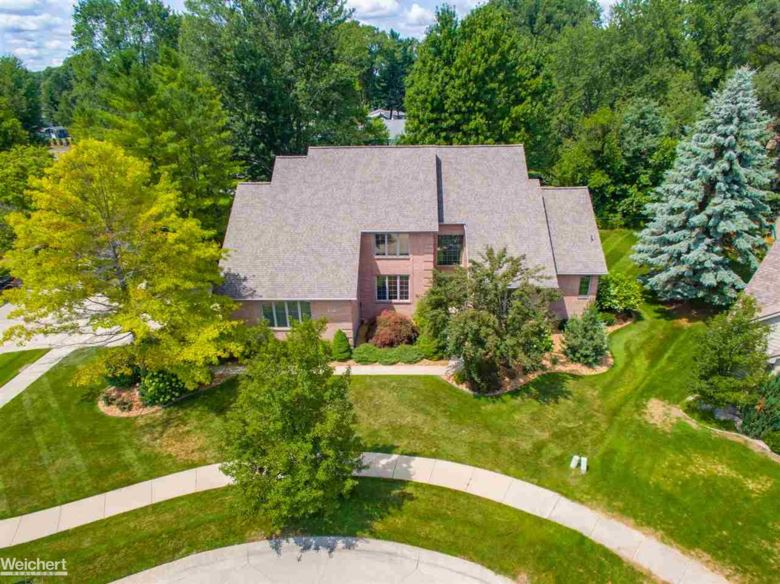 49177 Driftwood Dr., Shelby, MI 48317