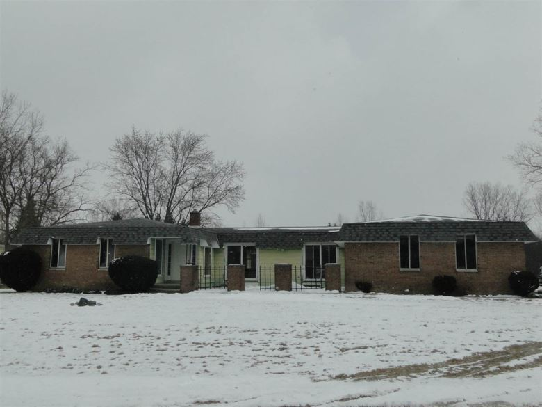 1172 River Forest, Flint, MI 48532