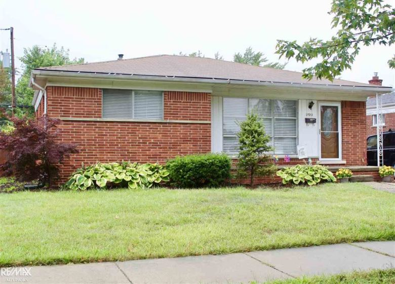 27213 Princeton, Saint Clair Shores, MI 48081