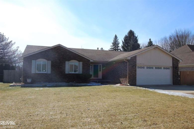 33342 Golfview, Chesterfield, MI 48047