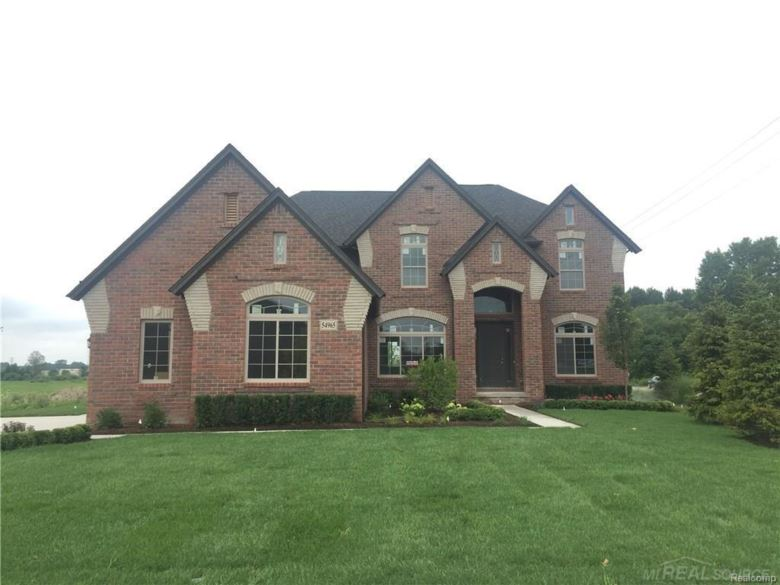 54965 Black Hills, Shelby Twp, MI 48316