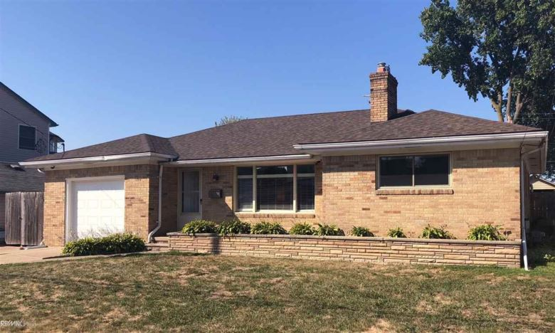 22535 Lange, Saint Clair Shores, MI 48080