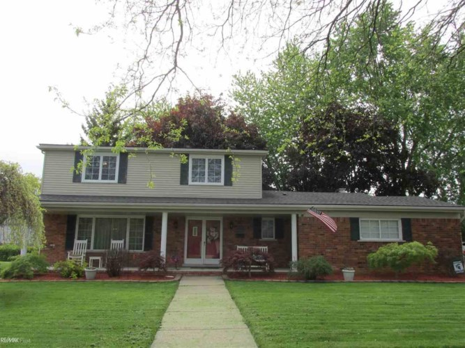 32865 Coventry Pl, Warren, MI 48093