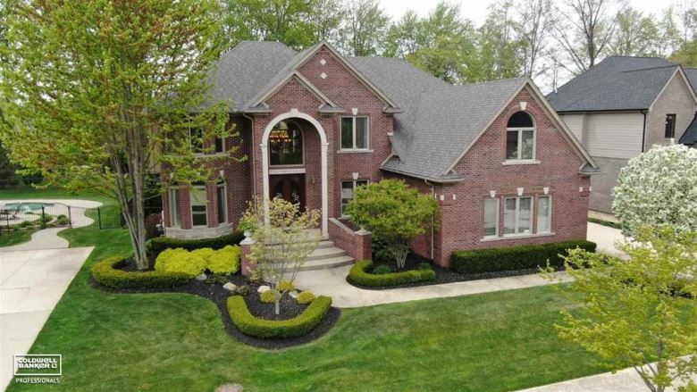 52741 Forest Grove, Shelby Twp, MI 48315