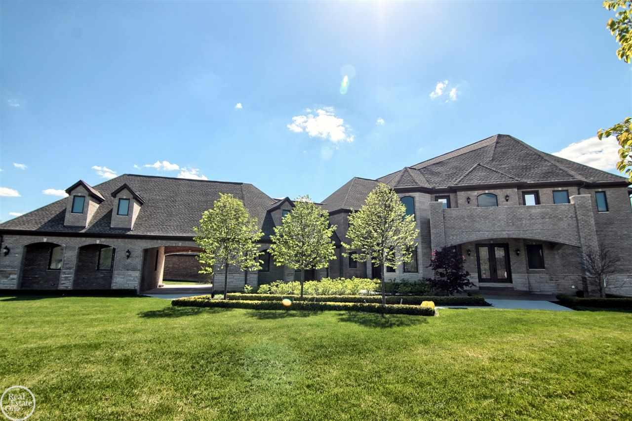 61871 Bradbury Run, Washington Twp, MI 48094
