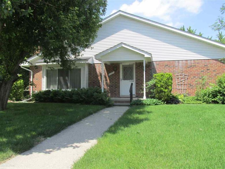 42292 Toddmark, Clinton Township, MI 48038