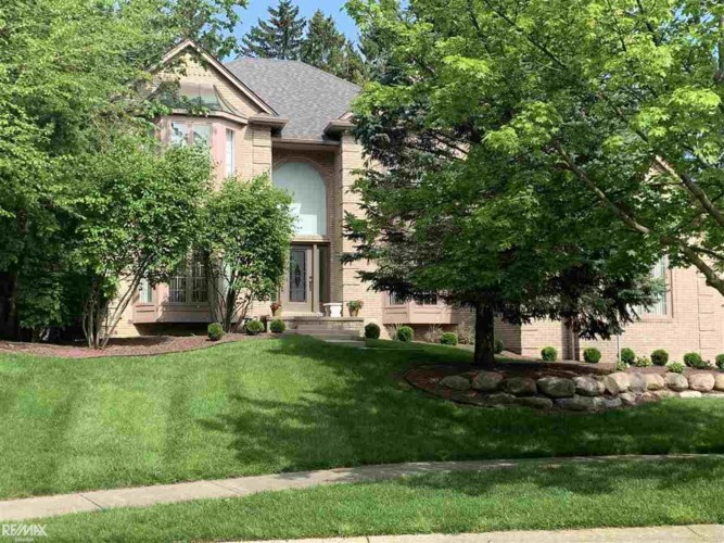 52892 Seven Oaks, Shelby Twp, MI 48316