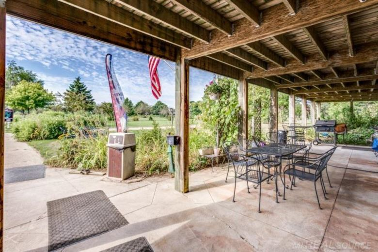 2701 Golf Course, Marlette, MI 48453