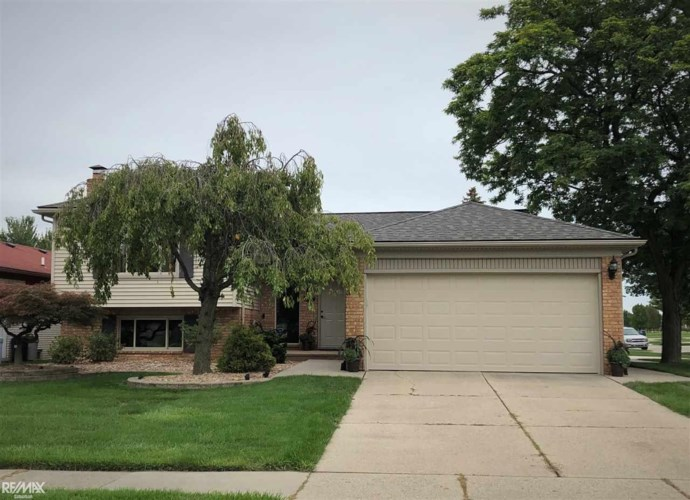 36378 Melbourne, Sterling Heights, MI 48312