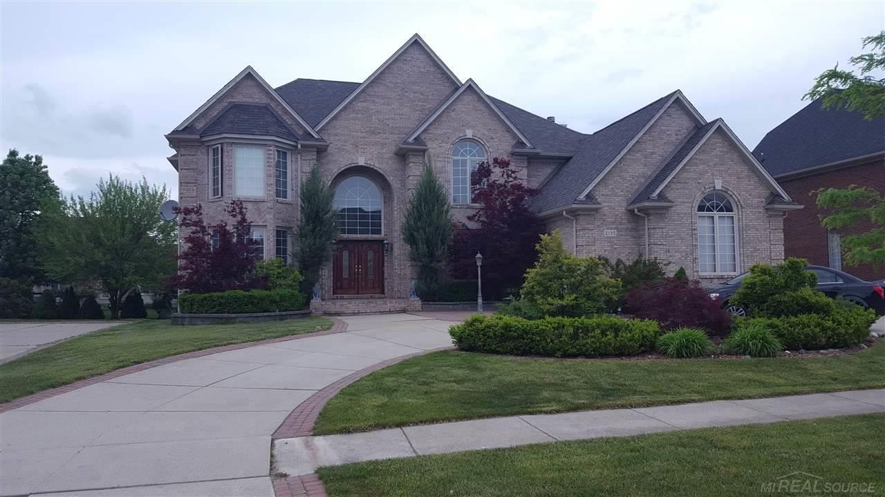 2135 Meadow Reed Dr, Sterling Heights, MI 48314