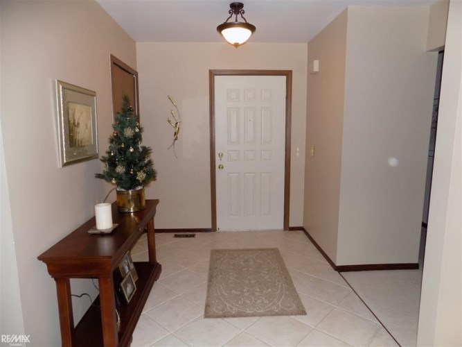 14246 Pernell, Sterling Heights, MI 48313