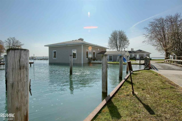 5609 South Channel, Harsens Island, MI 48028