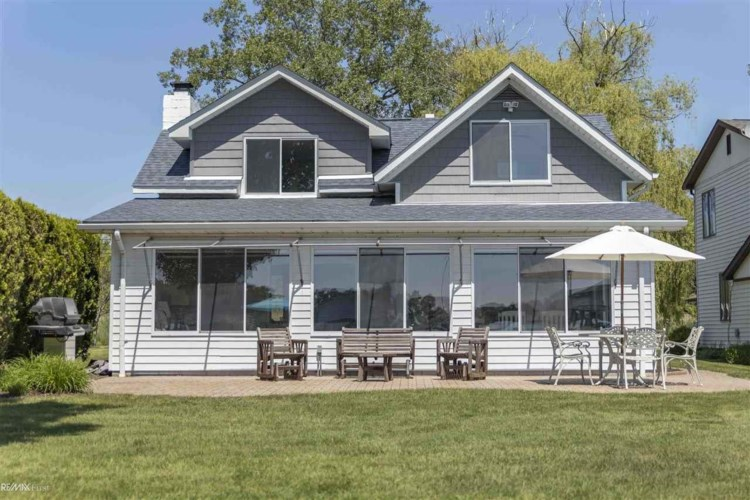 2081 South Channel, Harsens Island, MI 48028