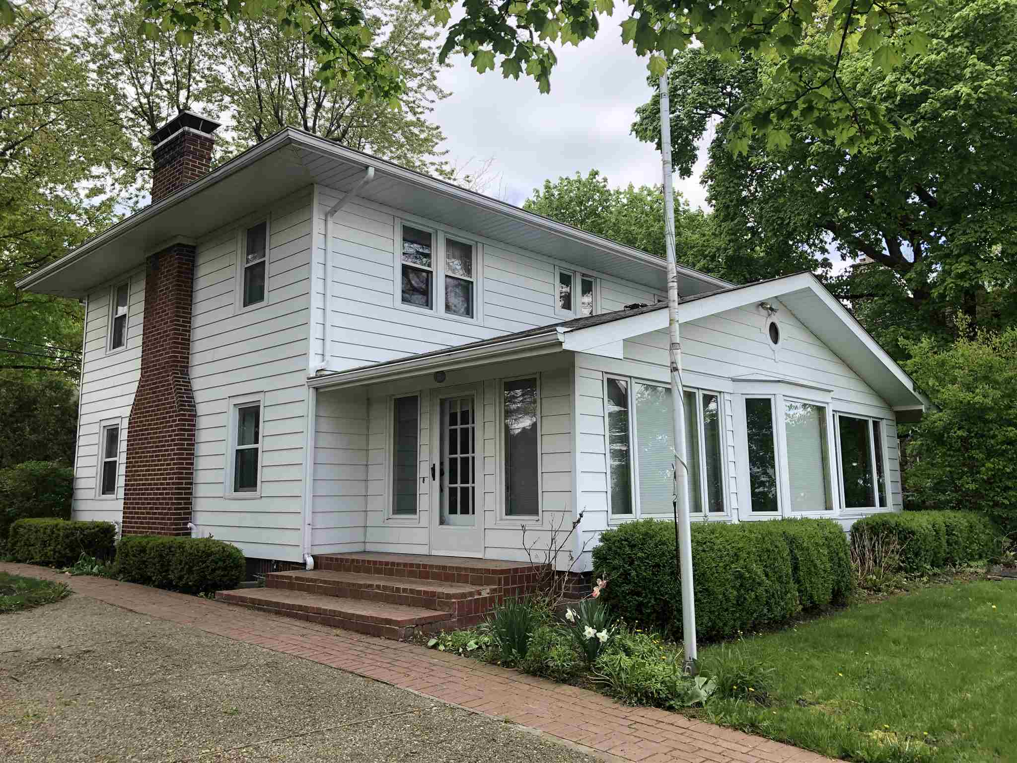 10694 N Southshore Drive, Syracuse, IN 46567