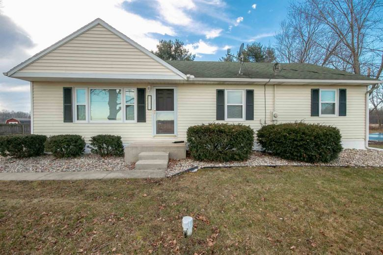 65657 Kenilworth Road, Lakeville, IN 46536