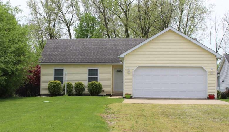 9273 E Sleepy Hollow Parkway, Cromwell, IN 46732