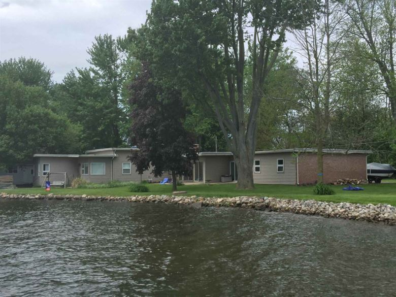215 Lakeside Drive, Winona Lake, IN 46590