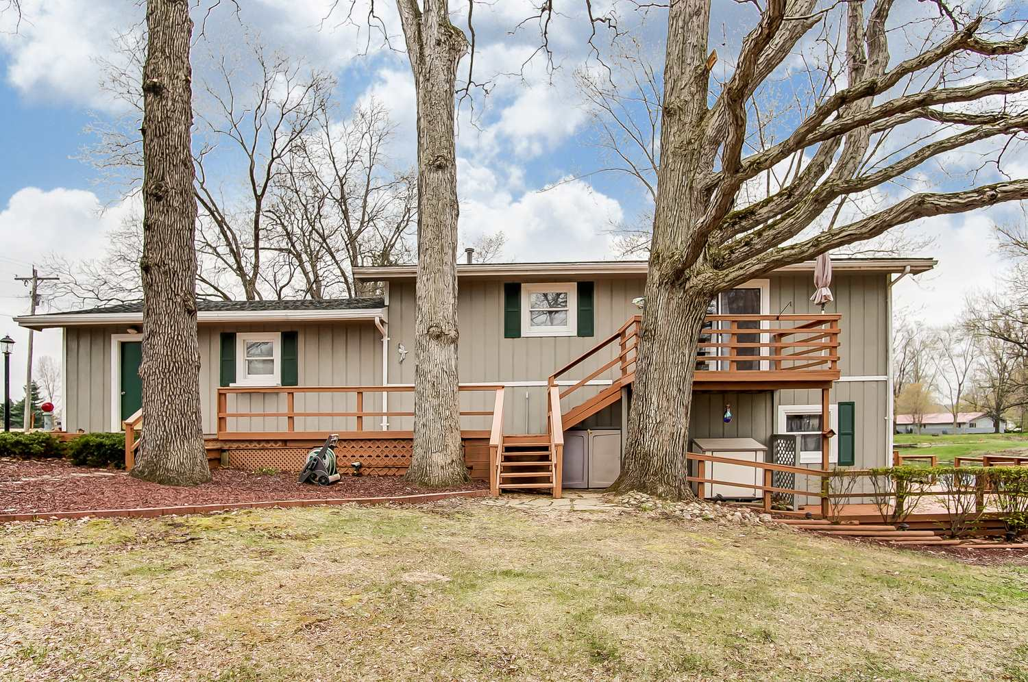 5920 N 1200 E, Orland, IN 46776