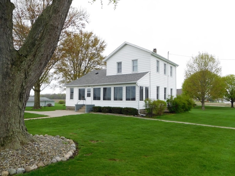 29882 County Road 40, Wakarusa, IN 46573