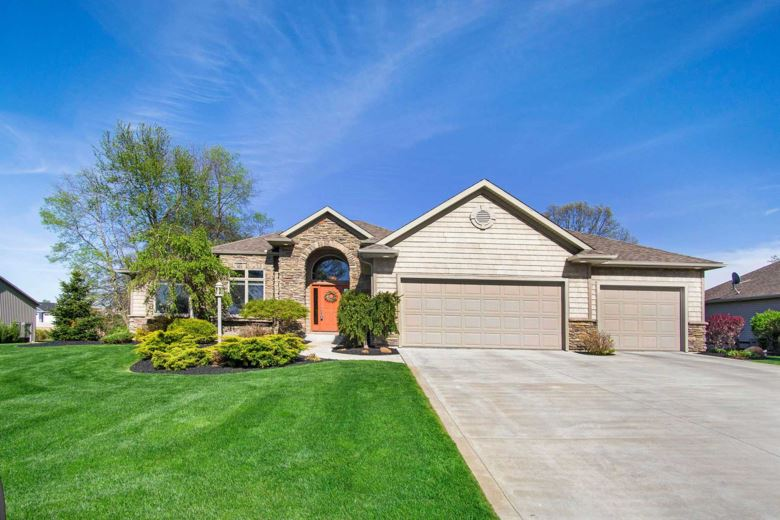 56208 Bridle Path Drive, Middlebury, IN 46540