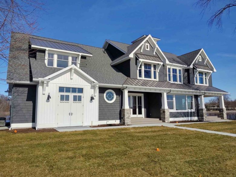 6403 E Pickwick Park Drive, Syracuse, IN 46567