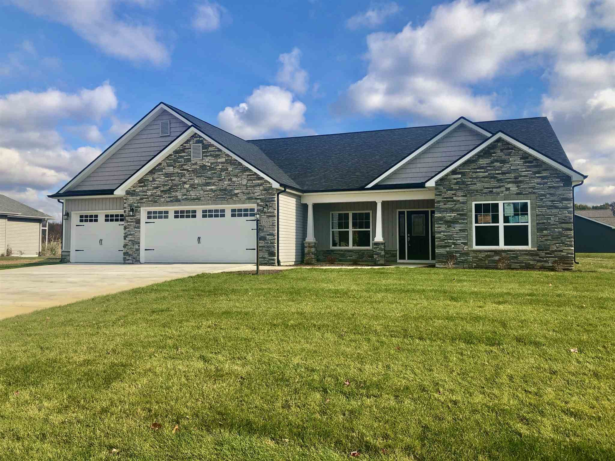 1388 Honeybee Court, Warsaw, IN 46580