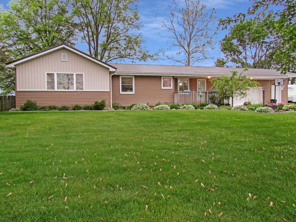 70631 State Road 19 Road, Nappanee, IN 46550
