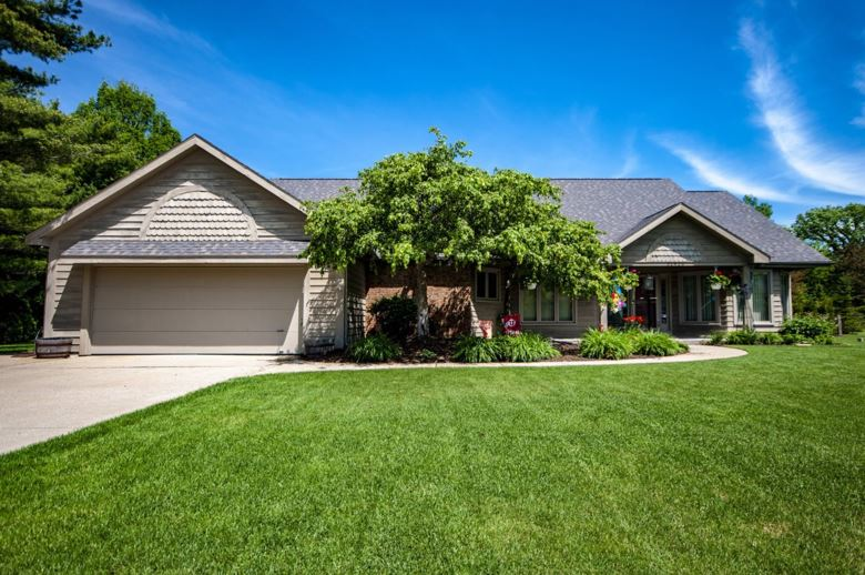 51416 Hunting Ridge Trail, Granger, IN 46530