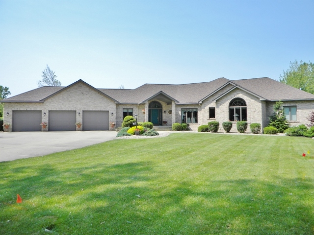12883 N Camelot Trail, Milford, IN 46542