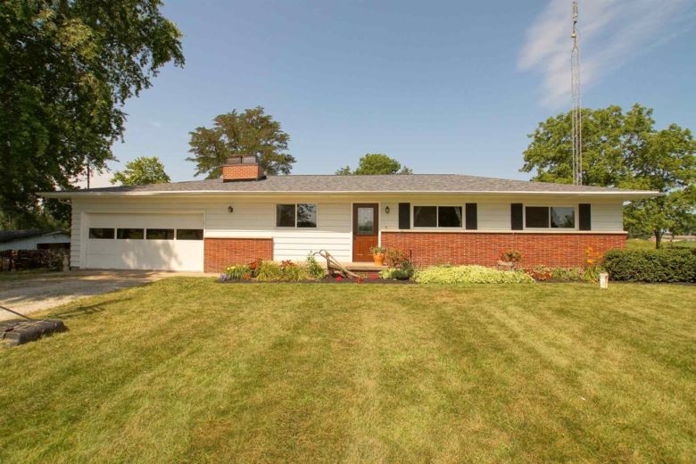 1429 S State Road 13, Pierceton, IN 46562
