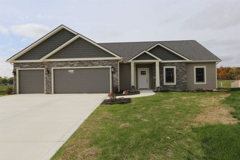 13798 Saddle Creek Lane, Grabill, IN 46741