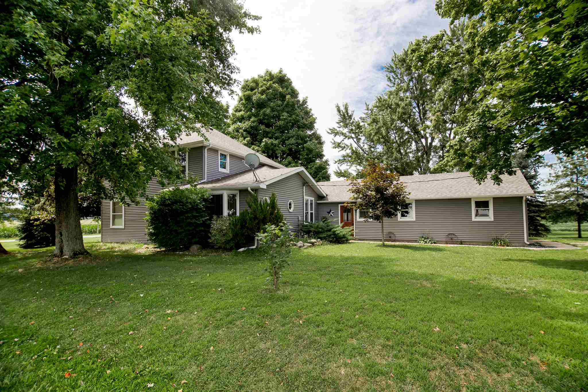 9950 S 250 W, South Whitley, IN 46787