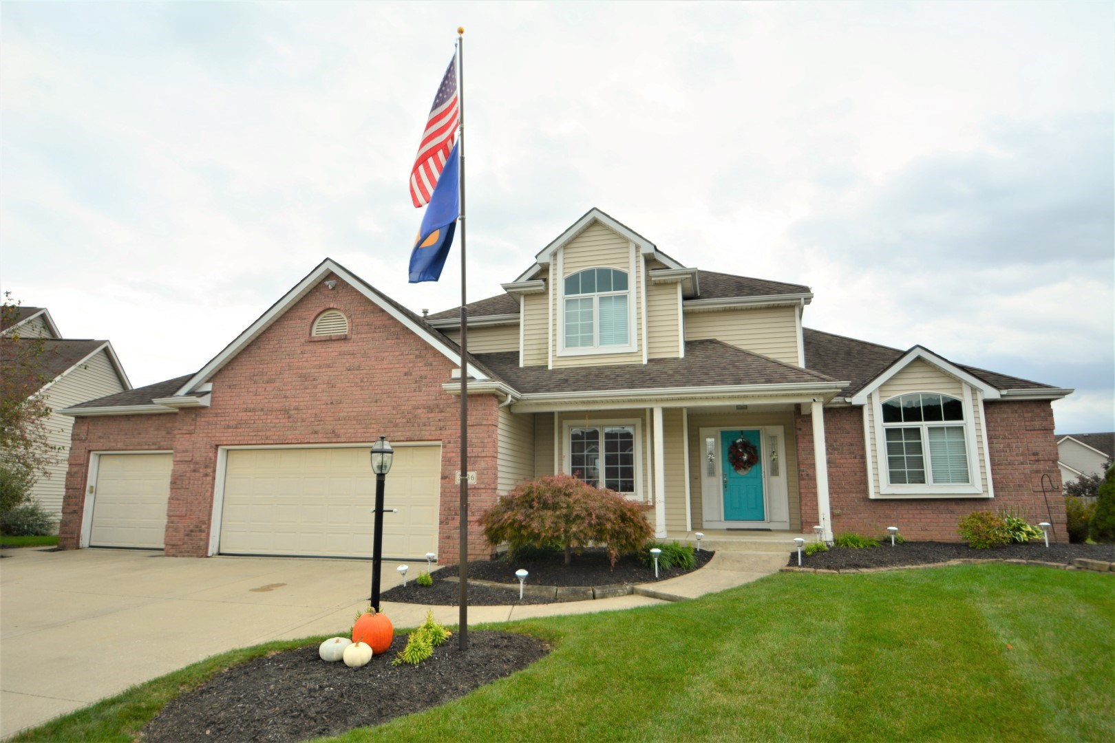 3836 Bay Point Cove, New Haven, IN 46774