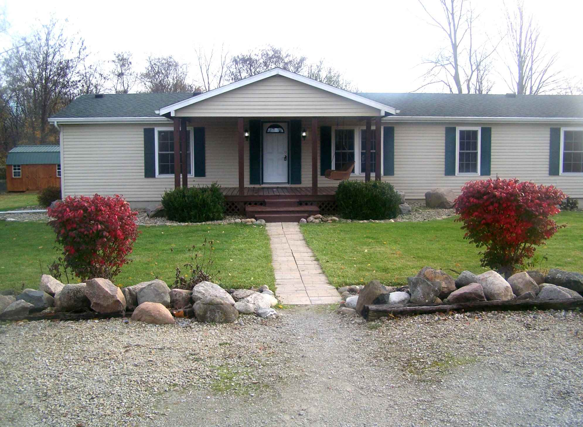 7057 E 950 S, South Whitley, IN 46781