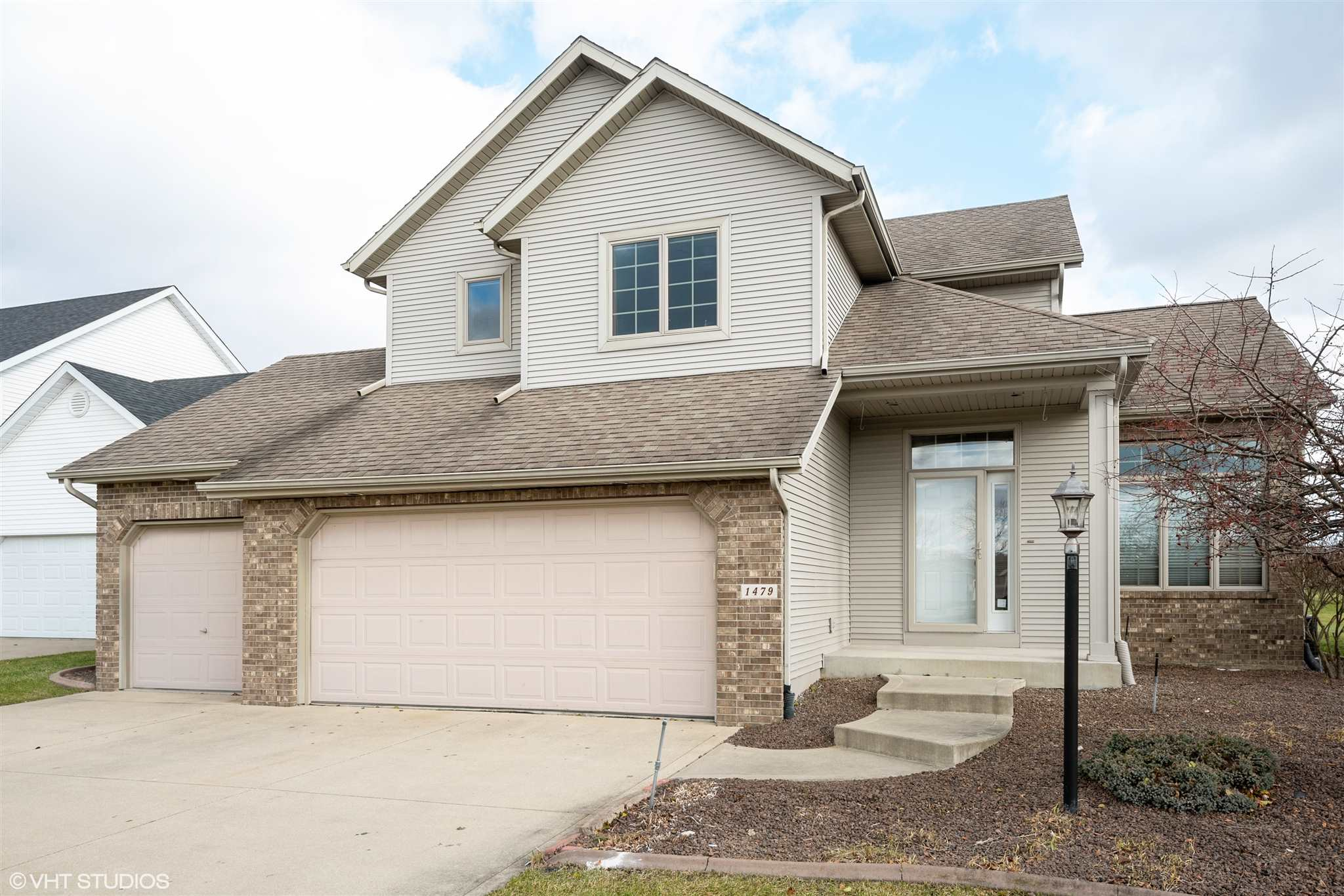 1479 Golf View Drive, Nappanee, IN 46550