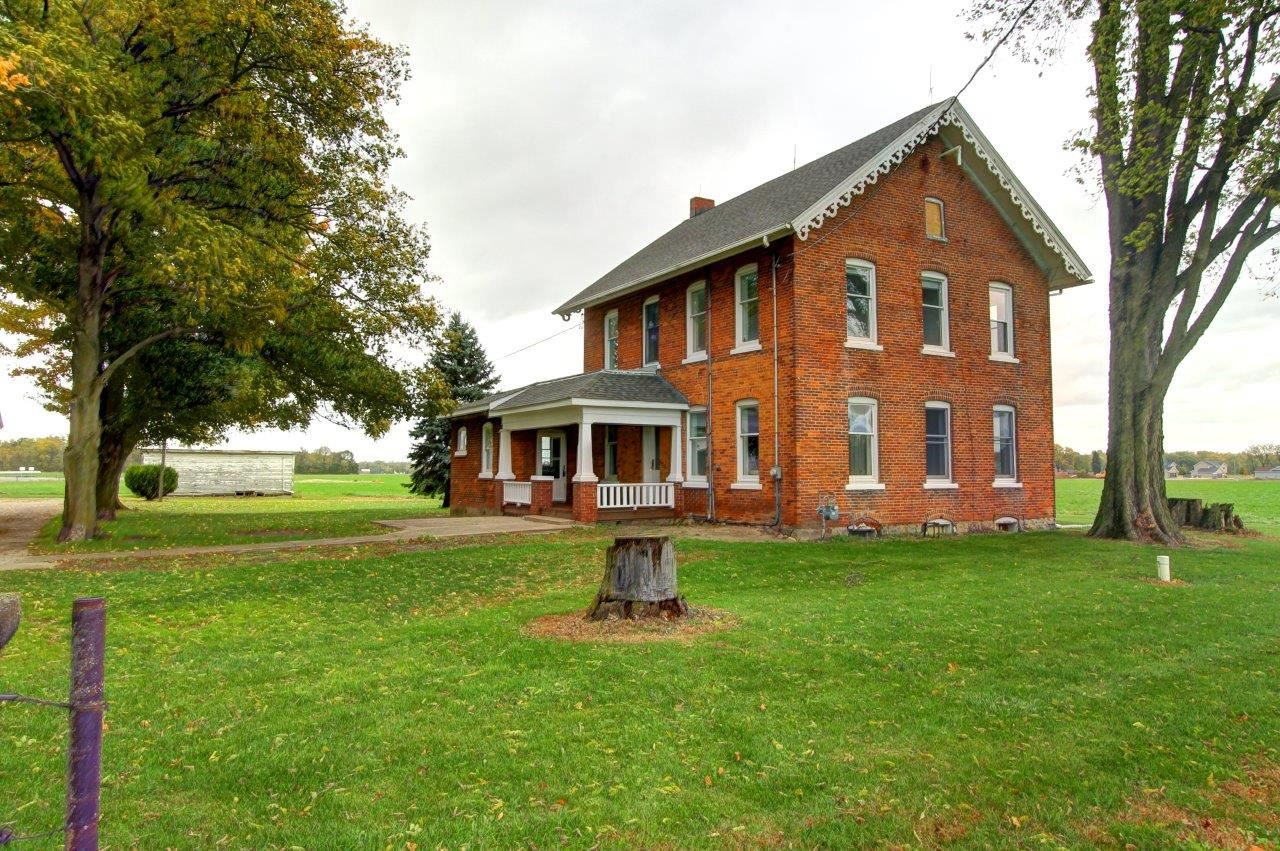 18561 County Road 46, New Paris, IN 46553