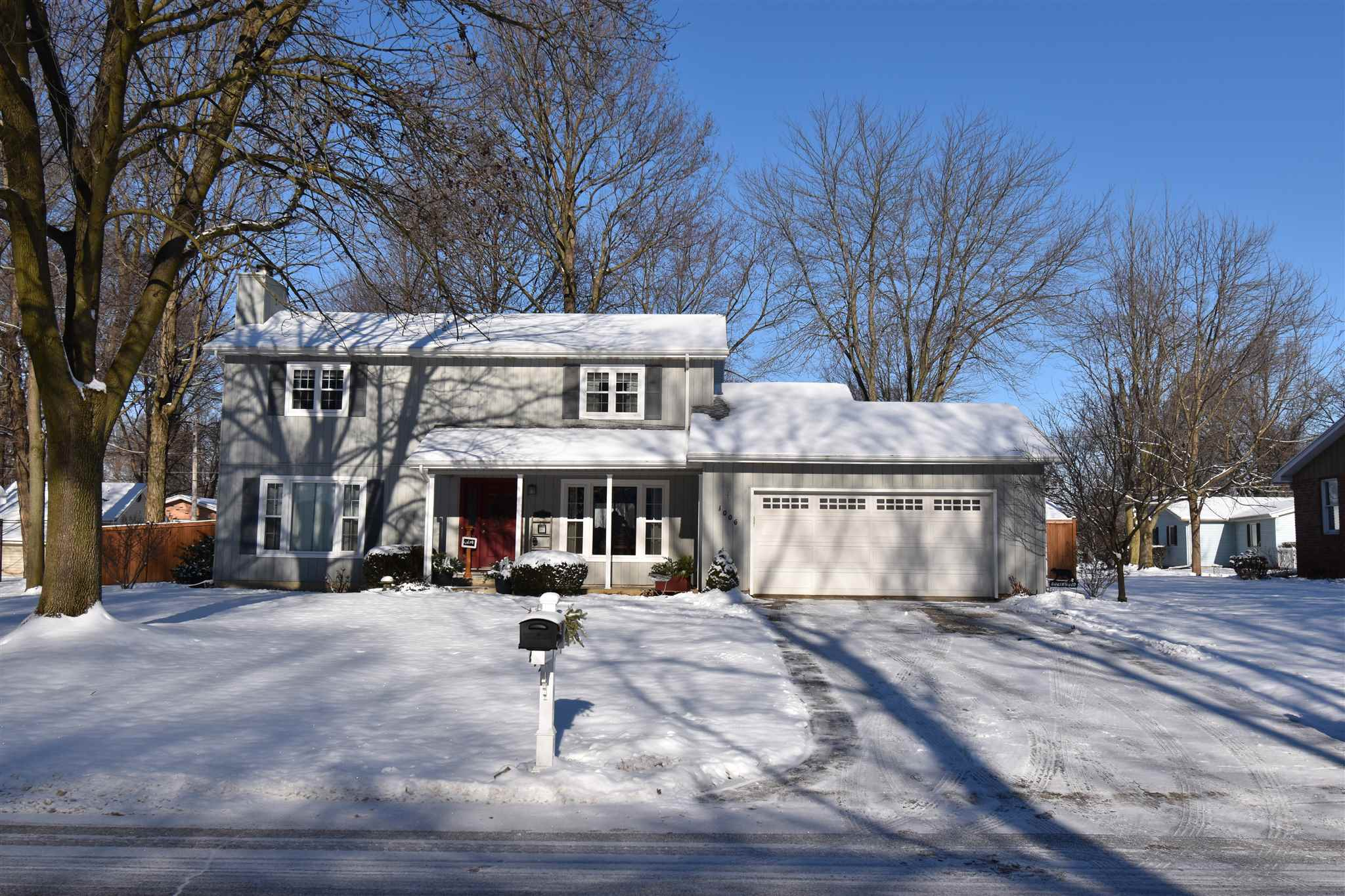 1006 Parkwood Drive, Nappanee, IN 46550