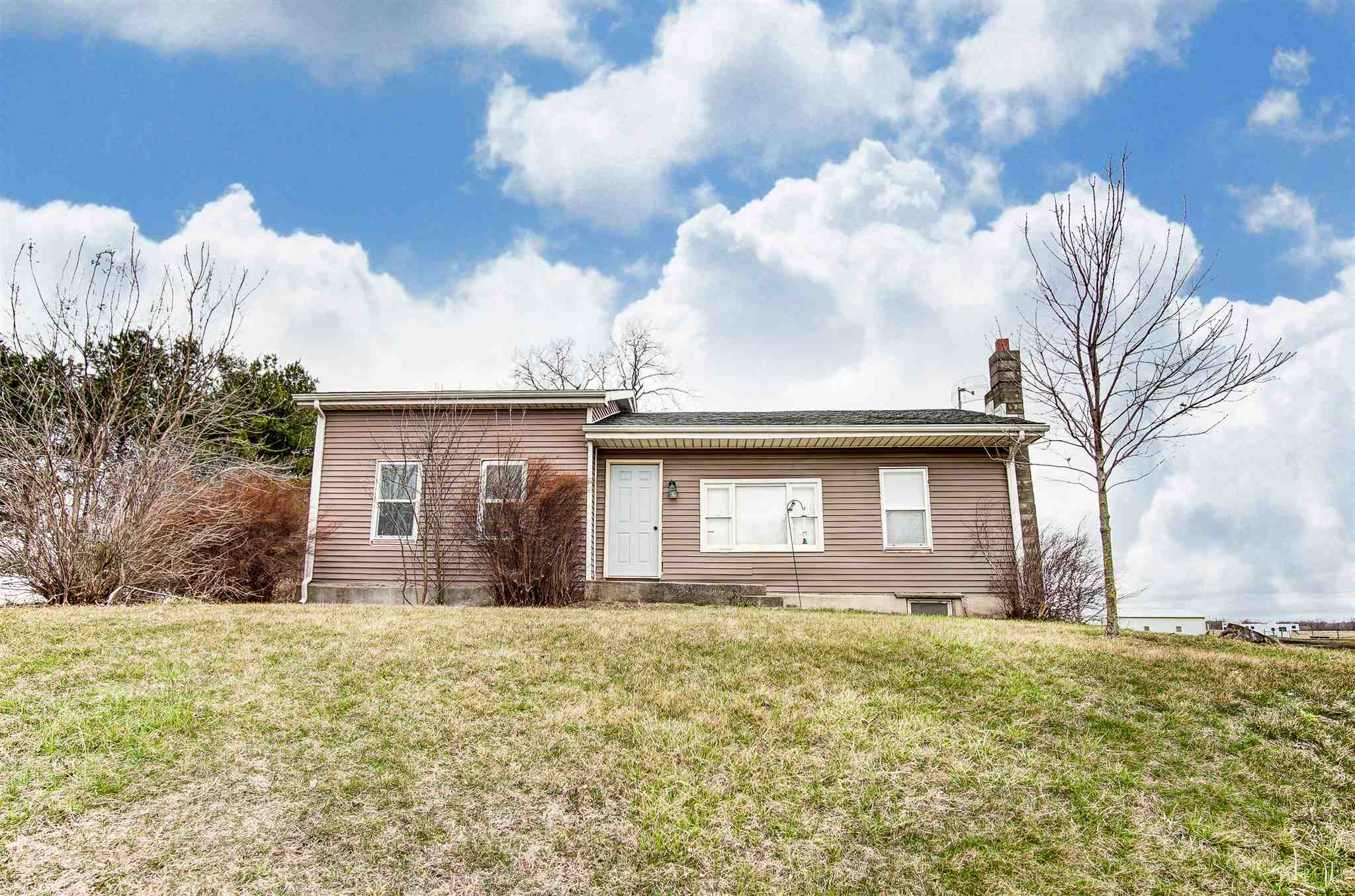1543 County road 8, Ashley, IN 46705