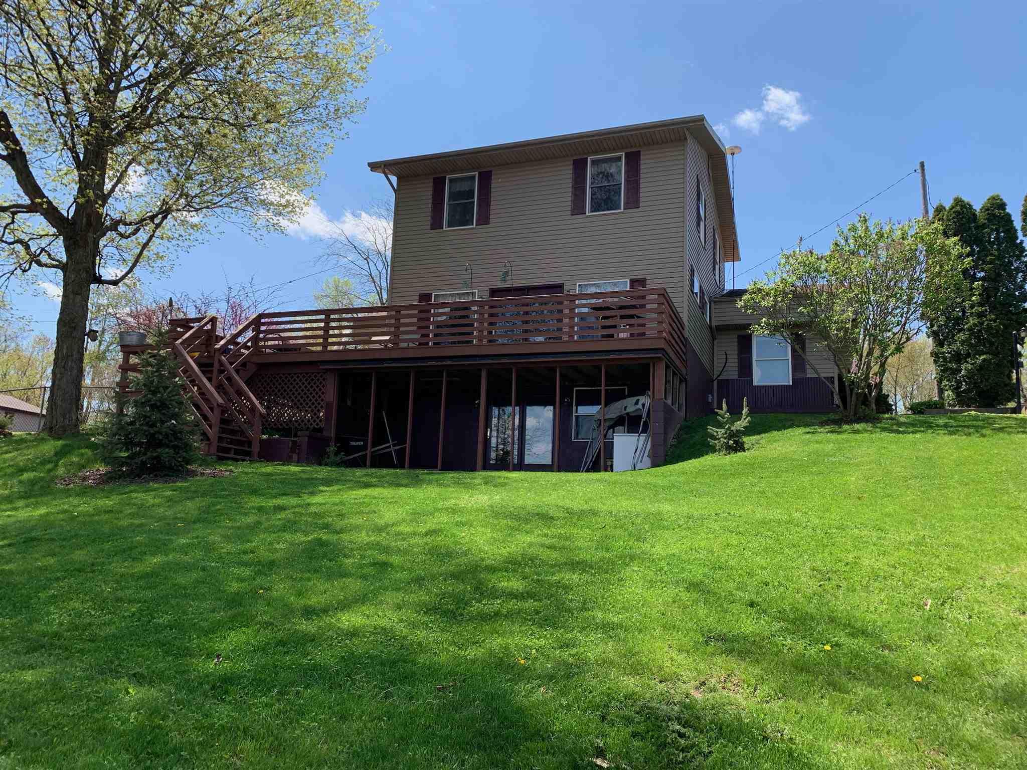 9600 N Steinbarger Lake Road, Wawaka, IN 46794