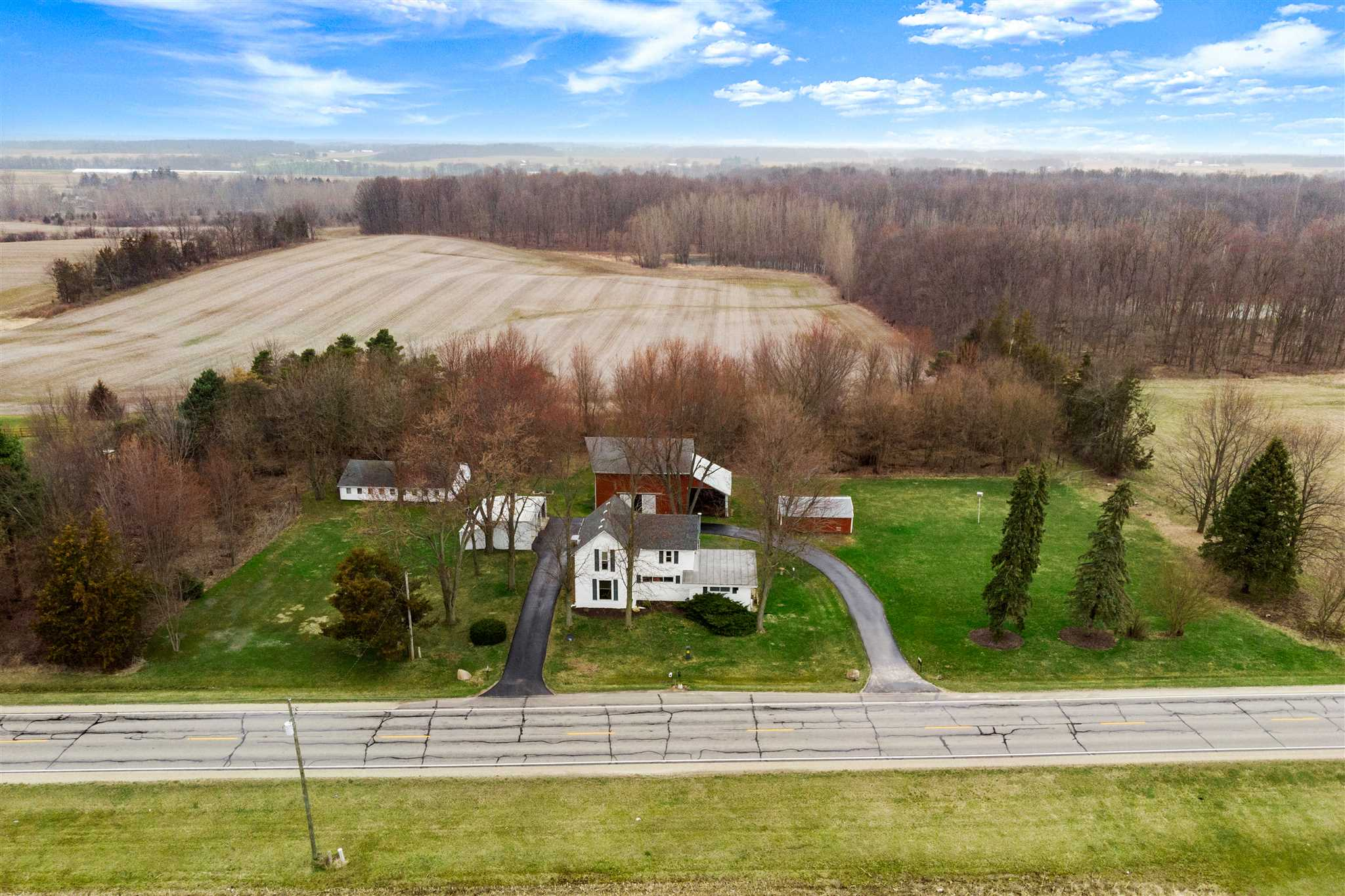 4404 W State Road 14, South Whitley, IN 46787