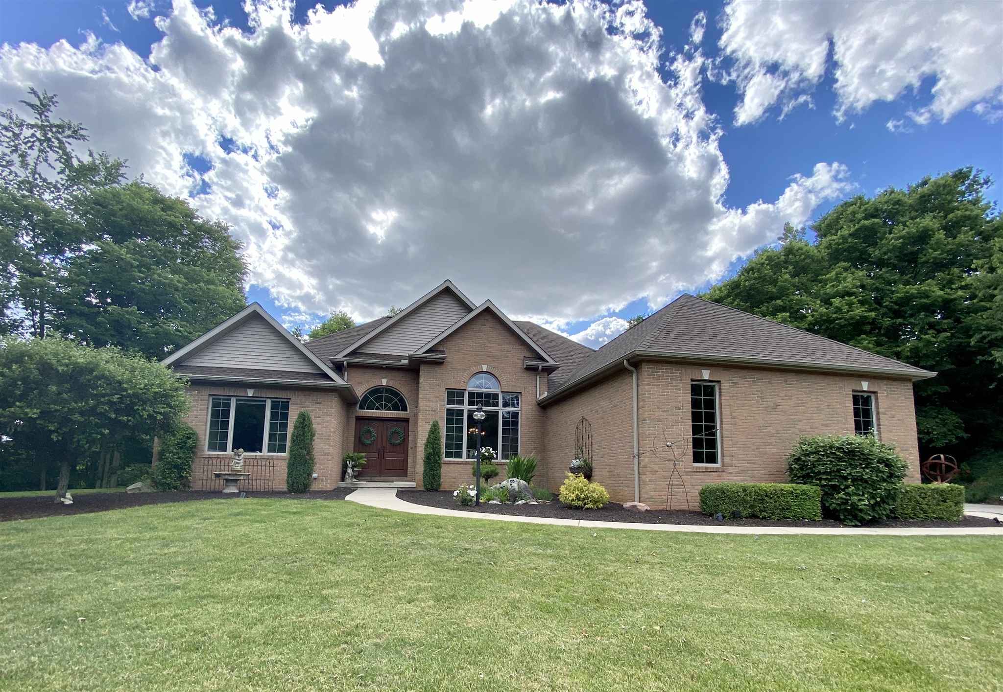 12523 N Camelot Trail, Milford, IN 46542