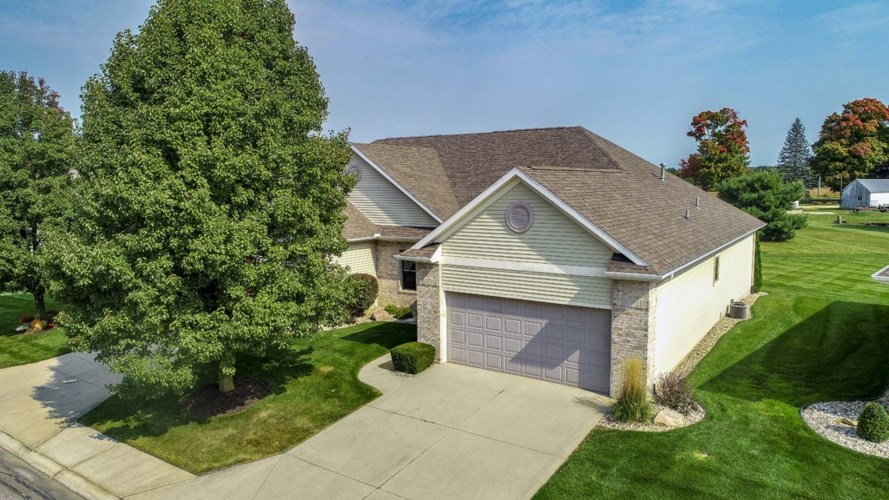 106 River Park Dr Drive, Middlebury, IN 46540