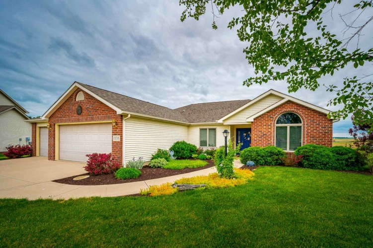 1338 W Stone Ridge Drive, Columbia City, IN 46725