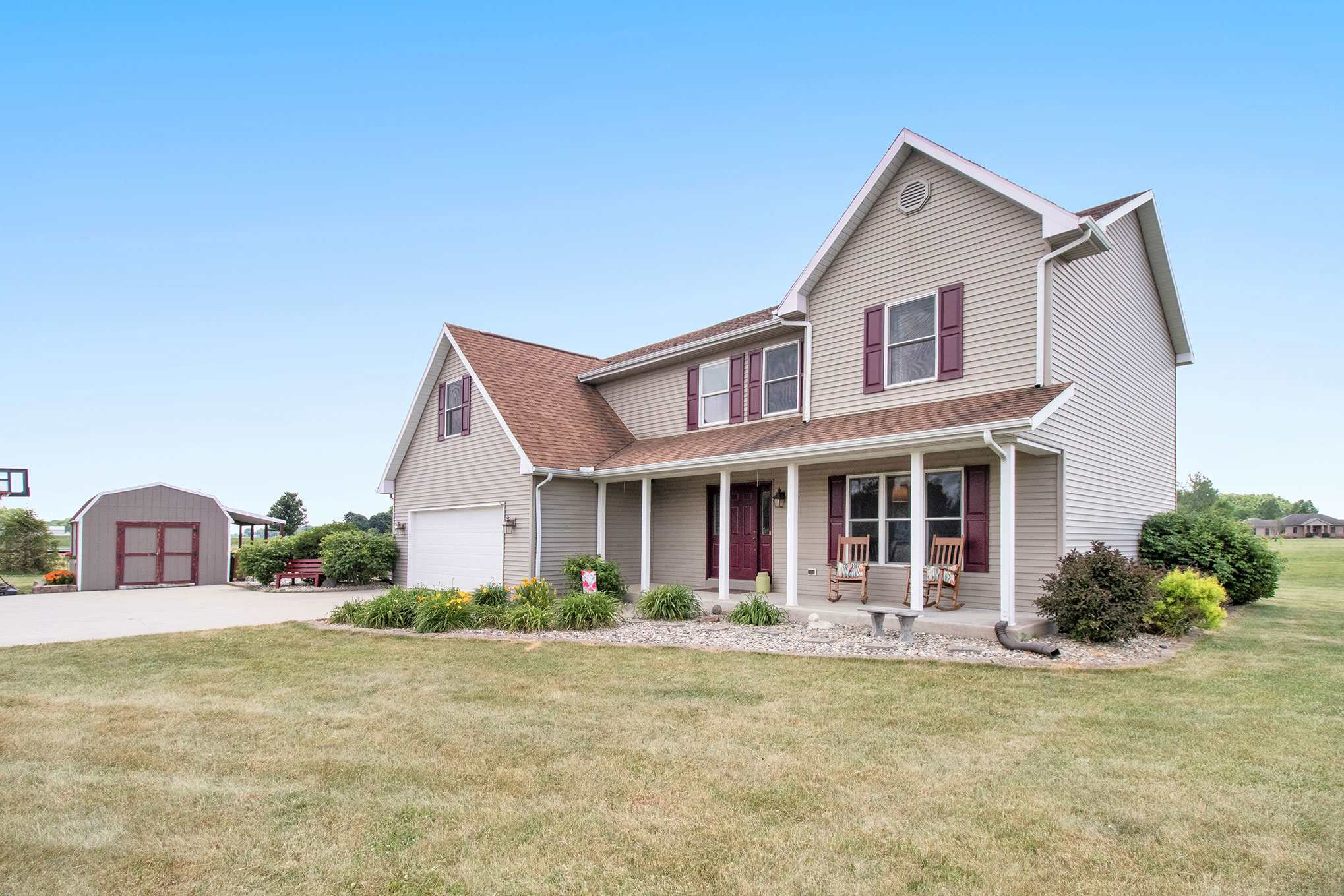 28570 County Road 42 Road, Wakarusa, IN 46573