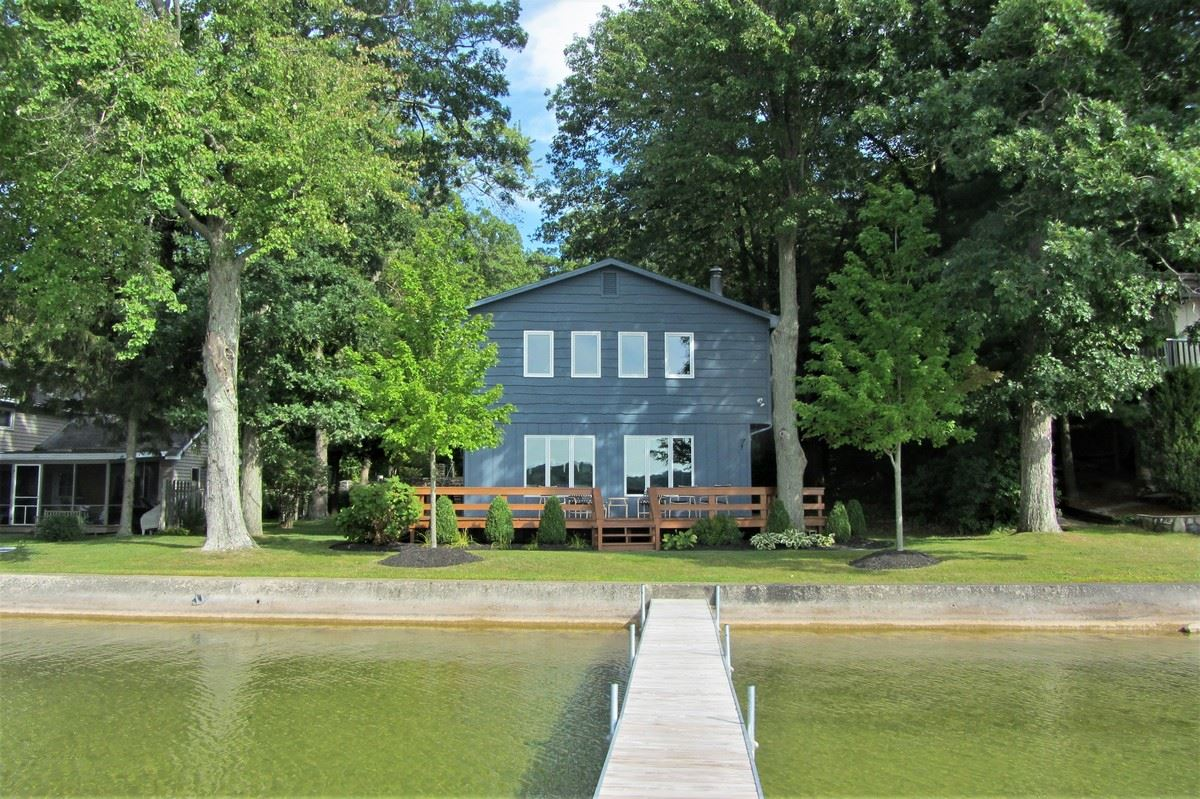 398 E Clear Lake Drive, Fremont, IN 46737