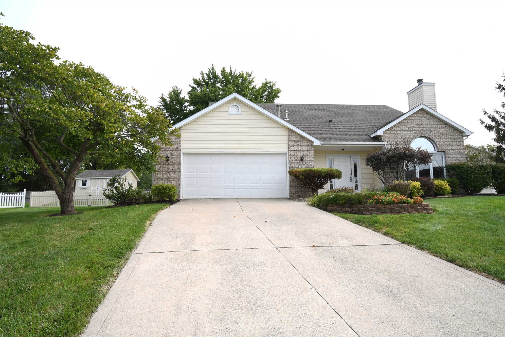 808 S Metzger Circle, South Whitley, IN 46787