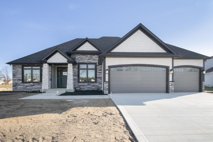 11426 Albany Ridge Drive, Osceola, IN 46561