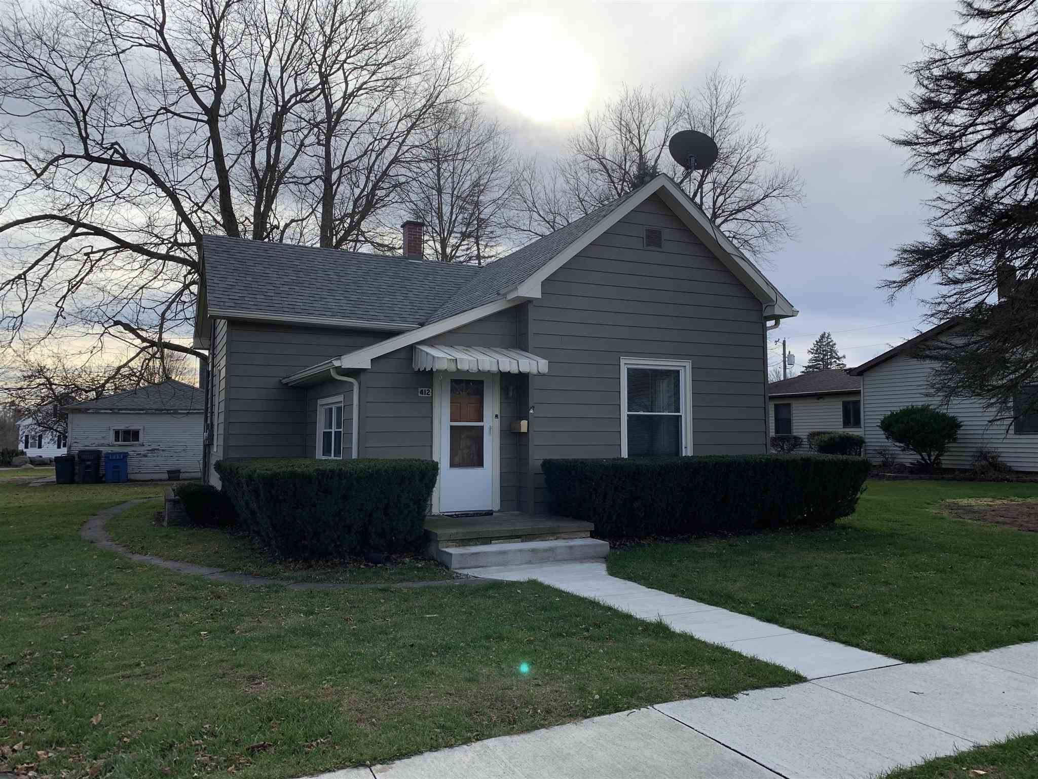 412 E Front Street, South Whitley, IN 46787
